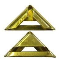 Металлическая фурнитура - неотъемлемая деталь изделий из кожи.