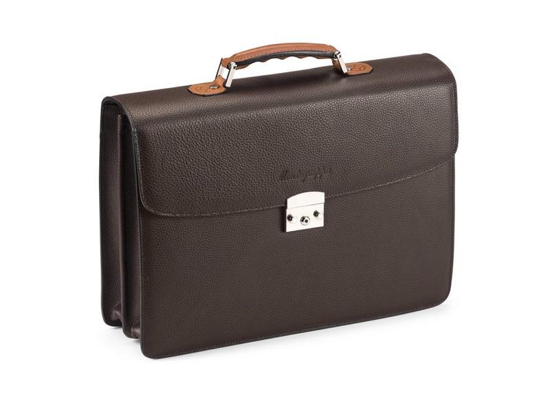 Качественная фурнитура— обязательное дополнение ксолидному чемодану